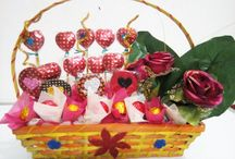 Chocolate Bouquets / At chocolatevenue.com We are Leading and Artful Chocolate Designers in india.All Chocolates and preparations are handmade or processed.All handmade chocolates are amazingly delicious .