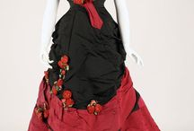 Englisch dresses around 1845 / Dresses made ​​of lace, silk, cotton