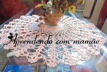 Centrinho em crochê / Centro de mesa em crochê, feito com um novelo de linha da Círculo Anne na cor de n° 3301 (salmão) e agulha de crochê Milward n° 1.75mm.