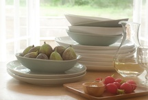 Organic shapes  / Organic shapes dispense with formality, and put us instantly at ease. With adaptable purposes, these products are designed for everyday use.