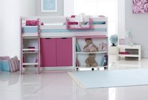 Box Room Kids Beds / Scallywag's innovative kids beds & furniture. Up to 16 colour options. Designed & manufactured in Yorkshire UK. Starter Beds, Cabin Conversion Kits, Chests of Drawers, Cupboards & Shelving. Ideal for space-saving in small box room bedrooms.