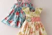 Mönster barnklänning