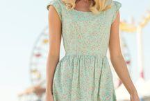 De-ale modei / Camera va permite sa va orientati in moda feminina actuala,pentru varste diferite.