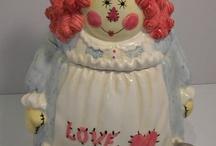 cute cookie jars / by Rosemary Carpenter