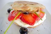 Breakfast and Brunch / Eye-opening meals / by Rhonda Underwood