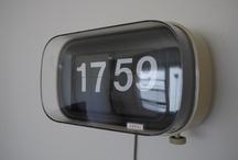 875436