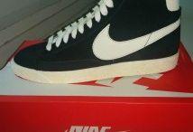 Nike Blazer / Toutes les Nike Blazer sont chez The Social Shop. Achetez et Vendez vos sneakers.
