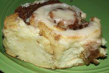 Homemade Cinnamon Rolls / Cinnamon roll recipes
