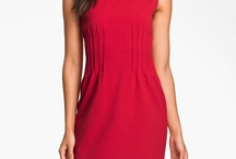 Large chested women who love fashion can wear this / If you want to minimize a big chest the best thing is a high neckline. You can also try a wrap dress as long as there is enough coverage. Important to avoid ruching or volume adding details in the bust.