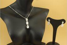 Conjuntos, comprar bisutería online / Tenemos conjuntos para todos los gusto, Plata de Ley, Cristal Swarovski, Piedra, Jade.  ¿Te gustan?
