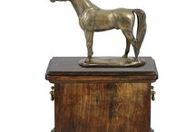 Horse cremation urns / Gregspol Ltd offers a wide range of finest quality wooden urns and caskets for  Horse ashes with Horse statue.