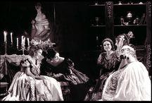 MES PROD: LA RONDINE / On commanda à Puccini quelques numéros musicaux pour une opérette à Vienne. La Guerre de 1914 bouleversa ce projet. Puccini développa ce qu'il avait déjà composé et cela donna : La Rondine qui, lorsque je fus chargé de la mettre en scène n'avait été donné jusque là qu'à Monte Carlo. Depuis cela se joue assez souvent !