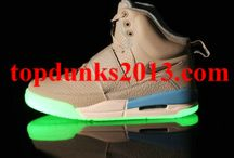 Glow In The Dark Yeezy Shoes / by Morteng Top