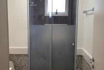 Banheiros / Ideias e fotos de reformas em banheiros para você se inspirar.