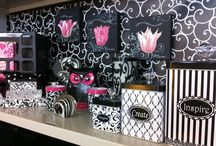 Cubicle Decor / by Christine Haines