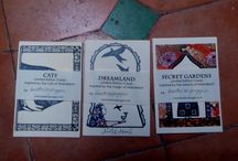 Limited edition post cards / Three series of limited edition cards inspired by the beauty, the magic and the cats of Marrakech. If you are not in town send me a private message and get your pack of five online. Enjoy it!