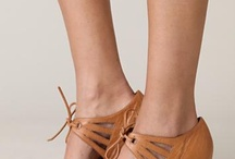 comfort + style / ideal combination in fashion and footwear / by Dionne Estabrook
