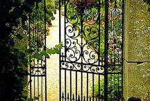Cancelli sul cuore / Un cancello chiuso ,ti chiude il cuore verso le emozioni ....aperto di apre alla vita