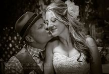 The Bride & Groom / Inspirational posing ideas for your wedding day.