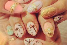 Zainspiruj się - paznokcie w palmy / Przedstawiamy jeden z trendów na lato 2016. Wszystkie lakiery, lampy led i inne narzędzia potrzebne do wykonania manicure hybrydowego, znajdziesz w naszym sklepie www.AlleBeauty.pl.