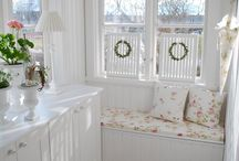 Cottage / Shabby Chic Decor  / by Susan Brown