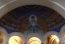 Mosaïques de la Basilique de Rosaire, Lourdes / Arts, ruptures, continuités dans la représentation de la vierge Marie.