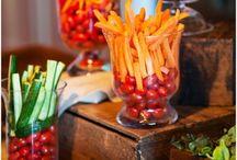 Cocktail / Cocktail original pour mariage Ambiance conviviale familiale Planche à tapas légumes croquants en vases