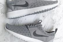 ∞ sneaker ∞