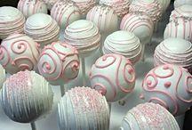 Candy bar cake pops