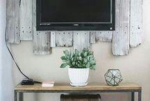 Simple TV Bracket