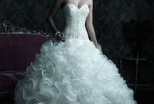 wedding dresses / by Megan Giacchina Obinor
