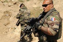 References - Modern Soldiers / Guns Guns Guns