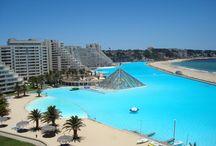 Piscinas Exóticas / A veces es difícil imaginar que existen lugares tan paradisíacos en el mundo, y encima con hermosas piscinas como estas. Sin dudas no me molestaría pasar las próximas vacaciones en alguno de estos lugares.