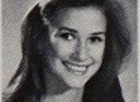 DEMI MOORE / Demi Moore est une actrice, réalisatrice et productrice américaine née le 11 novembre 1962 à Roswell au Nouveau-Mexique.