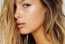 Simplistic and natural hair and makeup