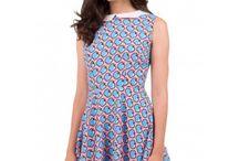 Cute printed dresses / Nos encantan los vestidos estampados con un aire naif y retro