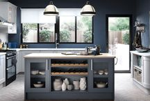 Hartside shaker kitchen / The Hartside shaker kitchen is shown here in the painted finish where you can choose from one of 28 fantastic colours or choice your own bespoke colour.  From Units Online http://www.unitsonline.co.uk/hartside-shaker-painted-kitchen