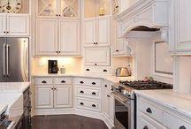 kitchen / by Ashley Goo