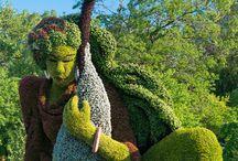 """Incríveis Esculturas pelos jardins botânicos de Montreal /  """"Mosaiculture"""" é uma arte de horticultura refinada que envolve a criação e montagem de obras de arte de vida essencialmente à base de plantas com folhagens coloridas (geralmente anuais, e, ocasionalmente, plantas perenes)."""""""