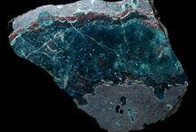Minerály / Moje nástěnka se týká o popisu minerálů.