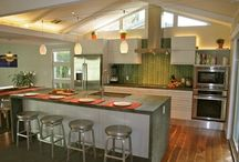 Kitchen Lighting Ideas / Idea board for kitchen lighting, featuring a broad spectrum of styles.