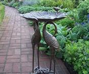 Birdbaths / by Pati's Pin House