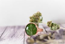Handmade botanical rings / Handmade rings, botanical rings, resin rings, floral rings, flower rings. copper rings, terrarium rings