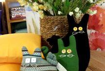 Cuscini a forma di gatto / Gatti fatti a mano, pezzi unici. Complementi di compagnia!