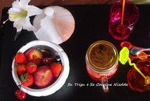 "Acqua di Frutta alla Fragola Homemade Strawberry Infused Water / La nostra prima acqua di frutta è alla fragola, con un pizzico di menta, una goccia del nostro sciroppo di fiori di sambuco e un po' di ribes bio dell'orto di ""papà Su Trigu"" Rigorosamente fatta in casa!   Homemade Strawberry Infused Water Our first detox infused water, with organic red currant, a dash of our homemade elderflower syrup, and a little mint. Yummie!"