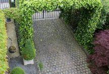 Walkways/driveways