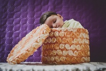 Embarazo, maternidad, bebés (mi visión) / Uno de los momentos más importantes de la vida es cuando llegan los hijos, una pequeña parte de nosotros, que crece y crece sin parar... Siempre es aconsejable guardar ese recuerdo fotográfico, ya que evolucionan por días, y apenas si da tiempo a fijarse en los cambios.