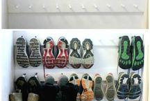 Guardando e organizando sapatos