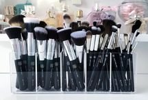 Brushes & stuff I use / I love her brushes I have a few but want more❤️