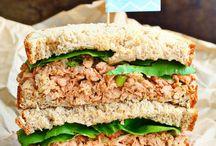 Tuna sanduíches and dishes